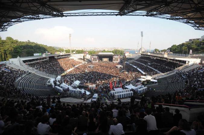 BJK_2inonu_stadium_istanbul_sonisphere 27_06_2010